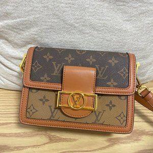 LV ladies Daphne messenger bag
